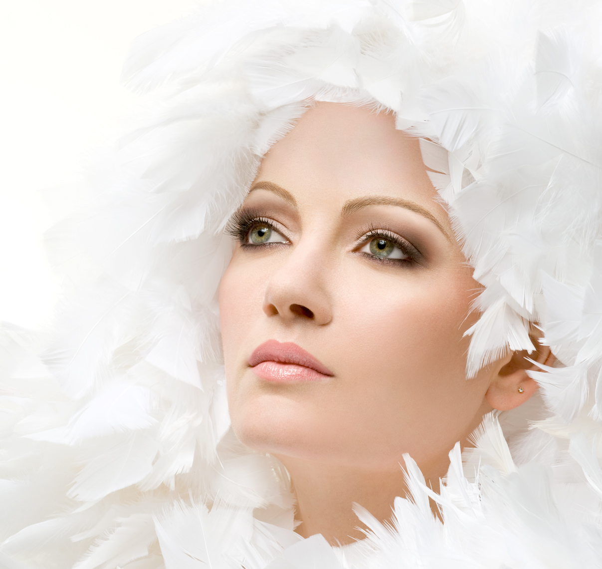 Suse Daisy in Feathers-photographed-by-Joe-Henson-Best-Actors-Headshot-Photographer-NYC-NY-New-York-Washington-DC-Boston-Paris-London-Berlin-Avedon-Penn-Marco-Grob-Annie-Leibovitz-Peter-Hurley-Jordan-Matter-Hasselblad